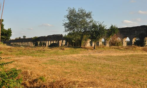 The Park of the Aqueducts' Claudian aqueduct, Rome.