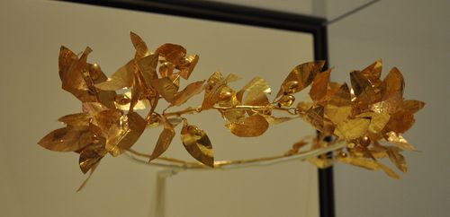 Ancient Roman crown from the Villa Malibu in California
