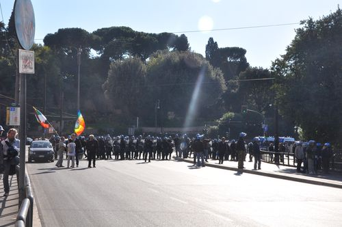 Police at indignati protests, Rome Oct 15