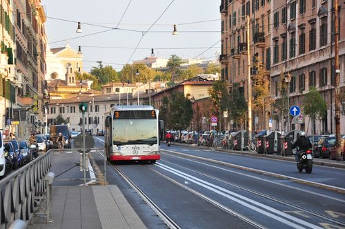 """the number 3 """"food"""" bus in Rome"""