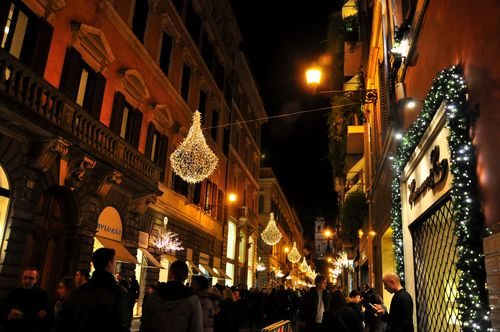 Via dei Condotti on Christmas in Rome