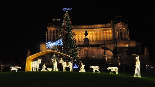 Christmas tree and decorations at Piazza Venezia, Rome