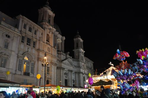 The Piazza Navona Christmas market, one Christmas activity in Rome!