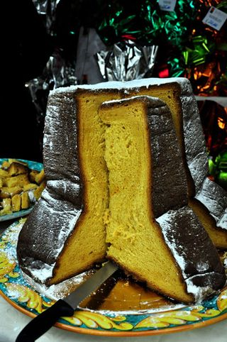 Pandoro at Christmas in Rome