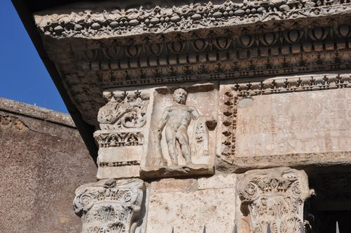 Ancient decorations in Rome