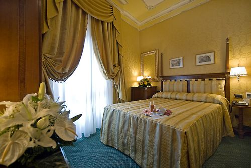 Hotel Manfredi Suite in Rome, one of the most romantic hotels in Italy