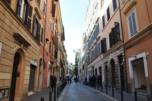 Via del Boschetto, one of the best shopping streets in Rome