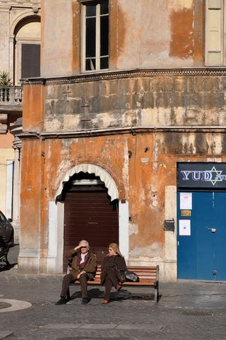 People-watching in the Jewish Ghetto