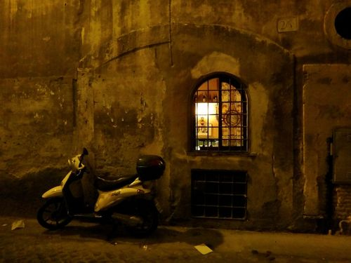Rome ghetto night