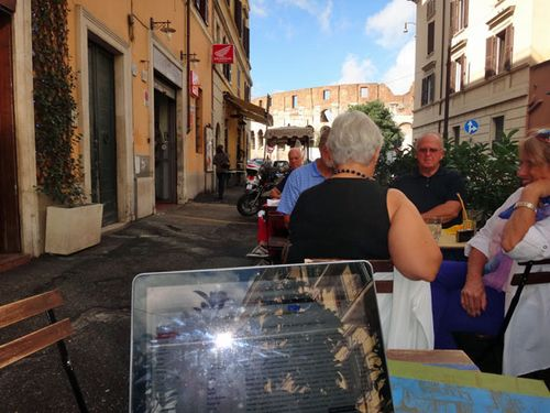 Cafe with wifi in Rome