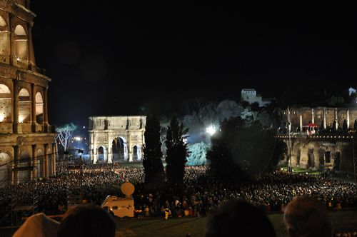 Way of the Cross, a chance to see the pope this Easter