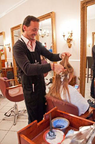 English speaking American hair dresser in Rome