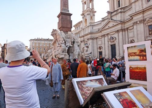 Tourist crowds in Rome in summer